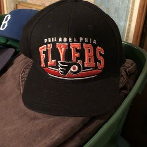 Flyers snap back